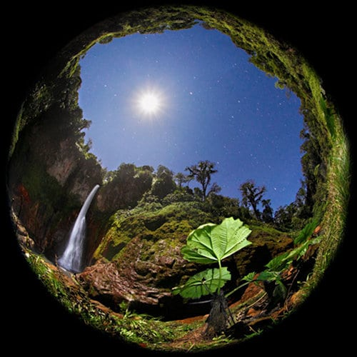 Catarata Del Toro - Full Moon